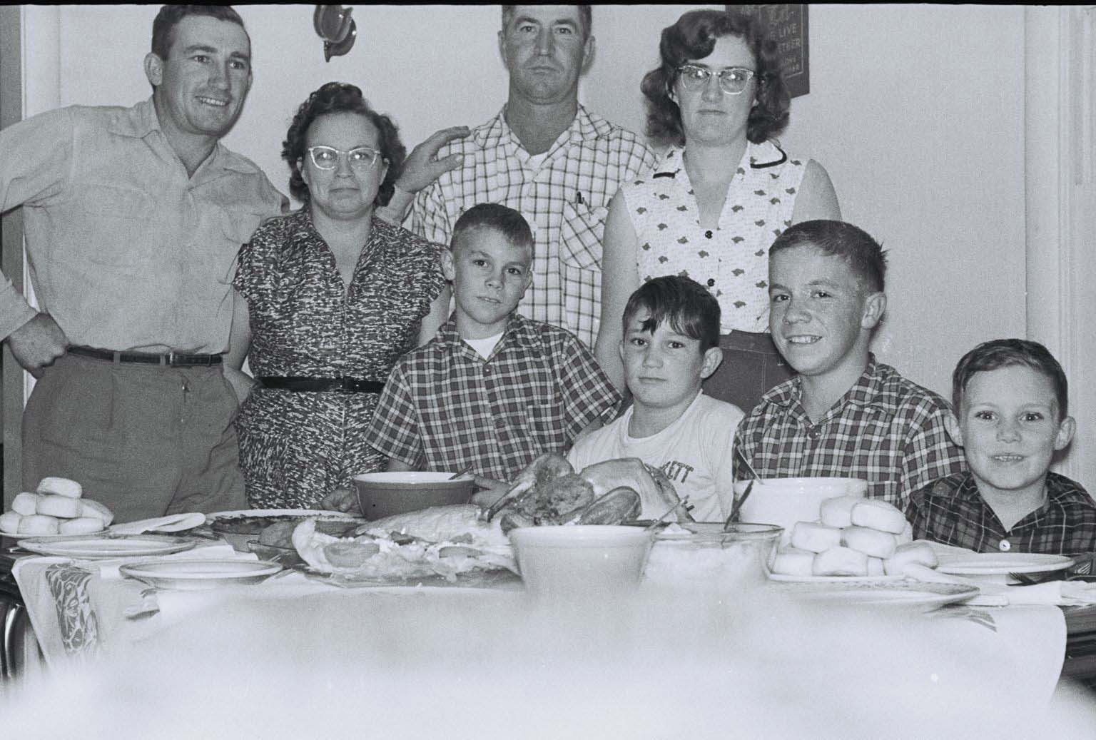 Byous and Parker families SM Thanksgiving c1956.jpg