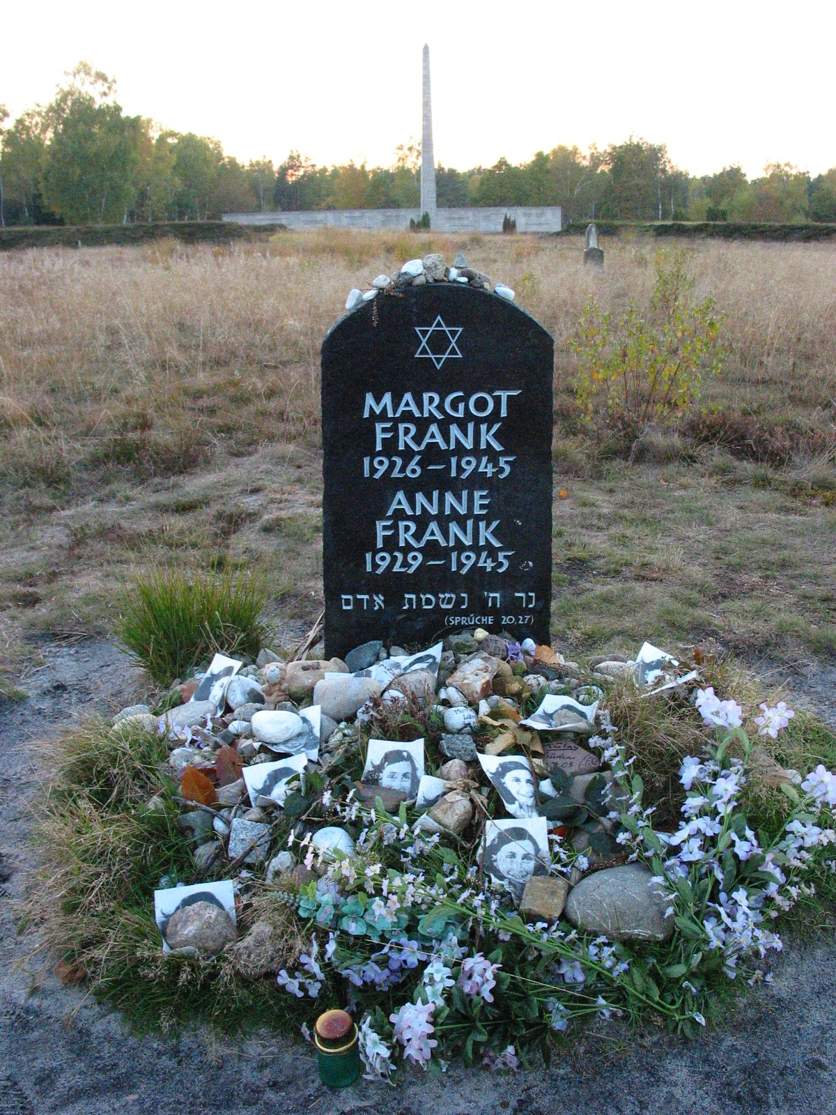 Anne_frank_memorial_bergen_belsen